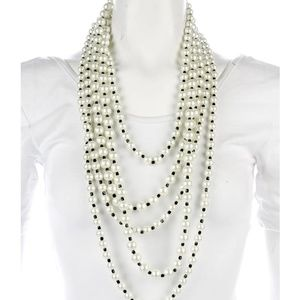 KENNETH JAY LANE Faux Pearls. Necklace